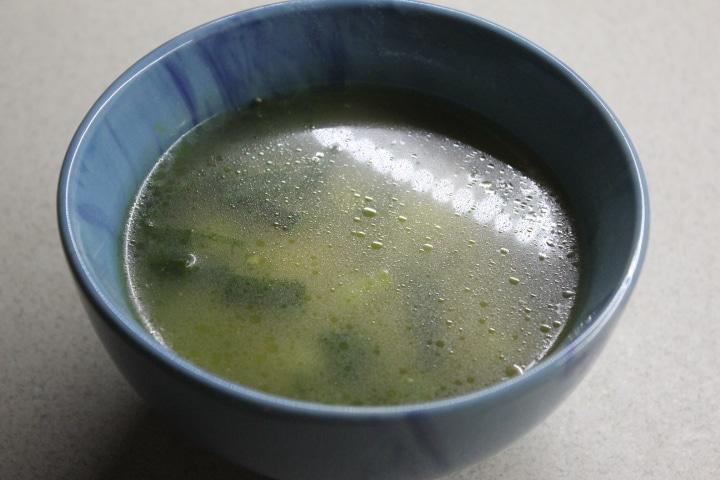 Фото рецепта - Суп с молодым картофелем и сочными фрикадельками - шаг 5