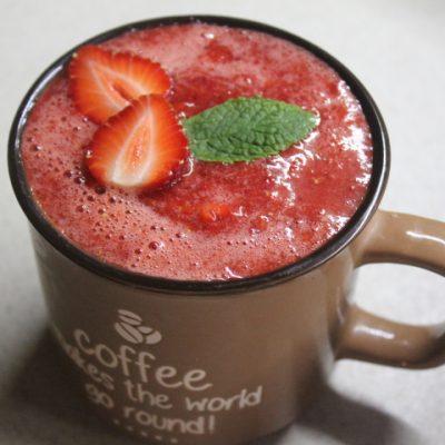 Клубничный коктейль с ромом - рецепт с фото