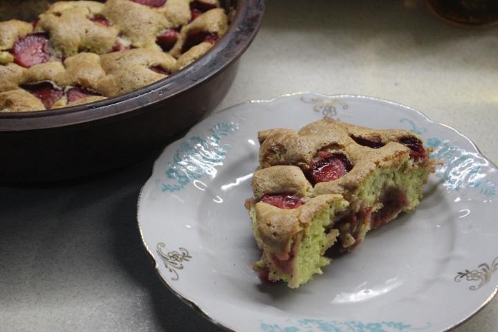 Клубнично-маковый пирог