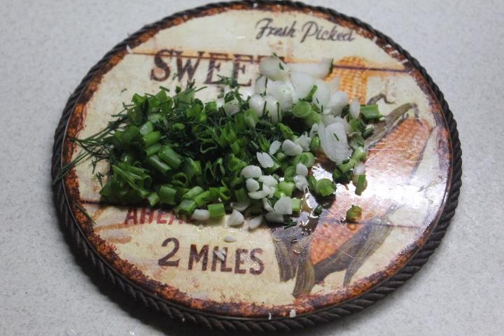 Фото рецепта - Котлеты из куриного фарша с молодым кабачком - шаг 1