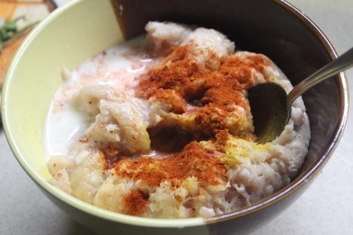 Фото рецепта - Котлеты из куриного фарша с молодым кабачком - шаг 2