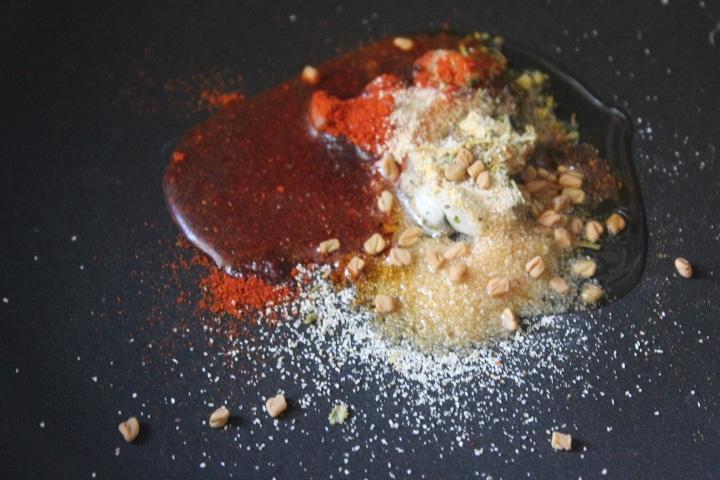Фото рецепта - Фаршированные лодочки из кабачков с курицей - шаг 1
