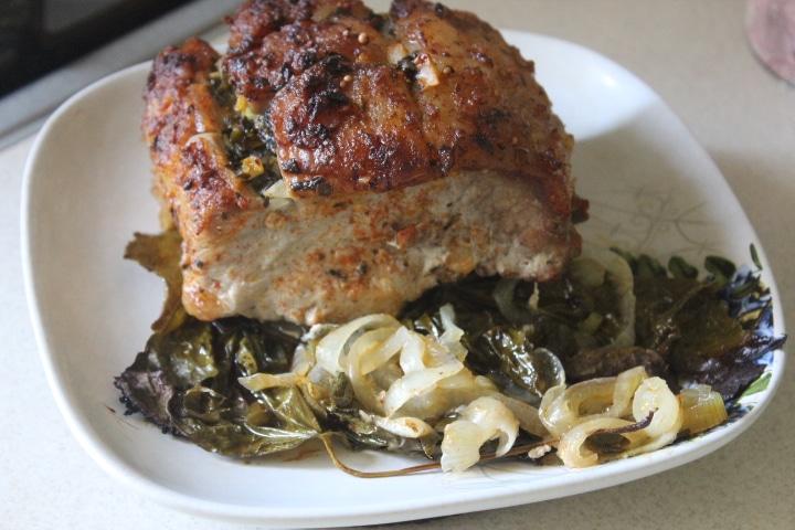 Фото рецепта - Свинина в виноградных листьях в духовке - шаг 6