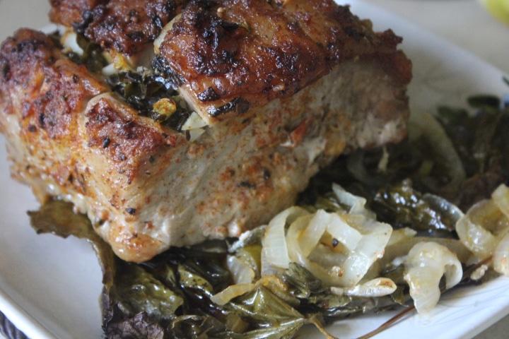 Фото рецепта - Свинина в виноградных листьях в духовке - шаг 7