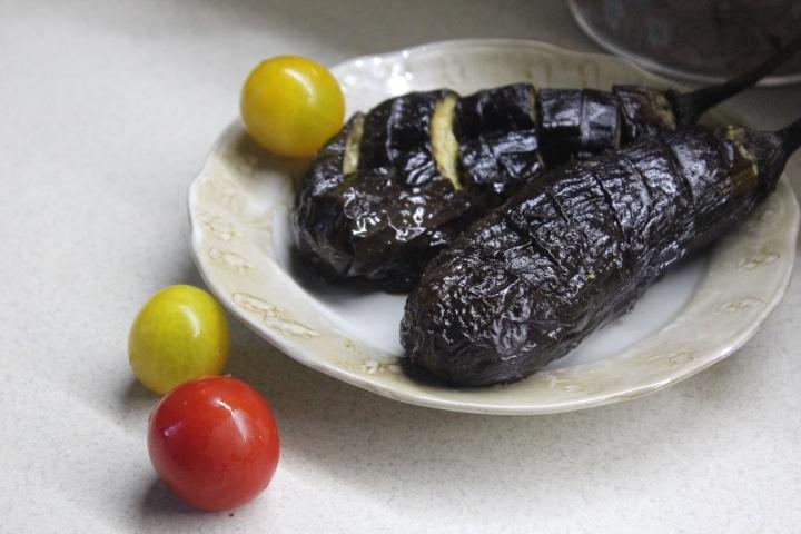 Фото рецепта - Запеченные баклажаны с маслом и соусом терияки - шаг 4