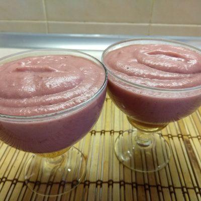 Фото рецепта - Заварной крем из клубники без молока - шаг 4