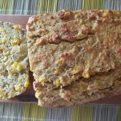 Кекс из кукурузной крупы и консервированной кукурузы - рецепт с фото