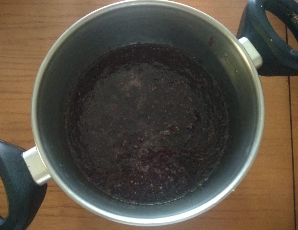 Фото рецепта - Джем из шелковицы с розмарином - шаг 3