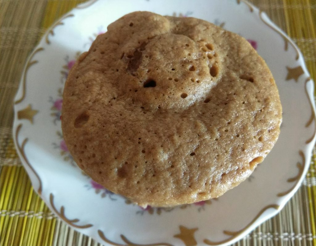 Фото рецепта - Кекс в чашке со вкусом амаретто - шаг 5