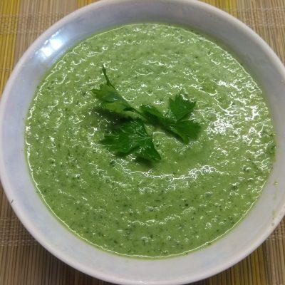 Огуречный холодный крем-суп на кефире - рецепт с фото