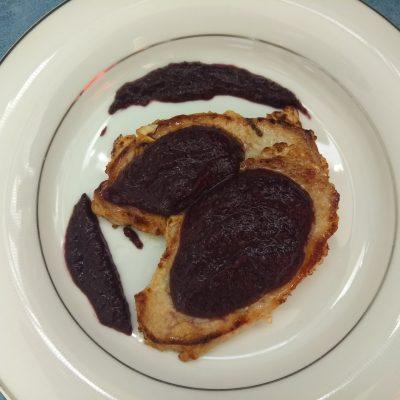 Соус из шелковицы с розмарином к мясу - рецепт с фото