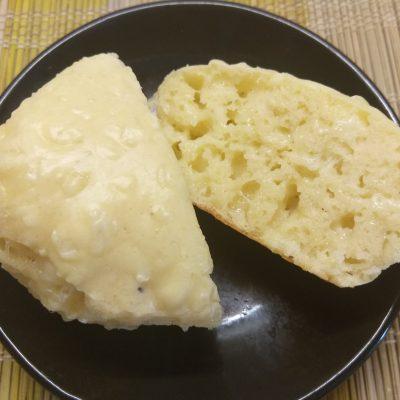 Несладкие кексы с твердым сыром - рецепт с фото