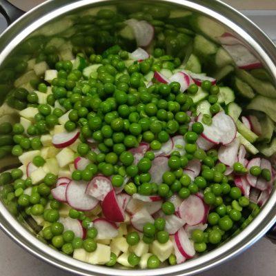 Фото рецепта - Холодный томатный суп с овощами - шаг 5