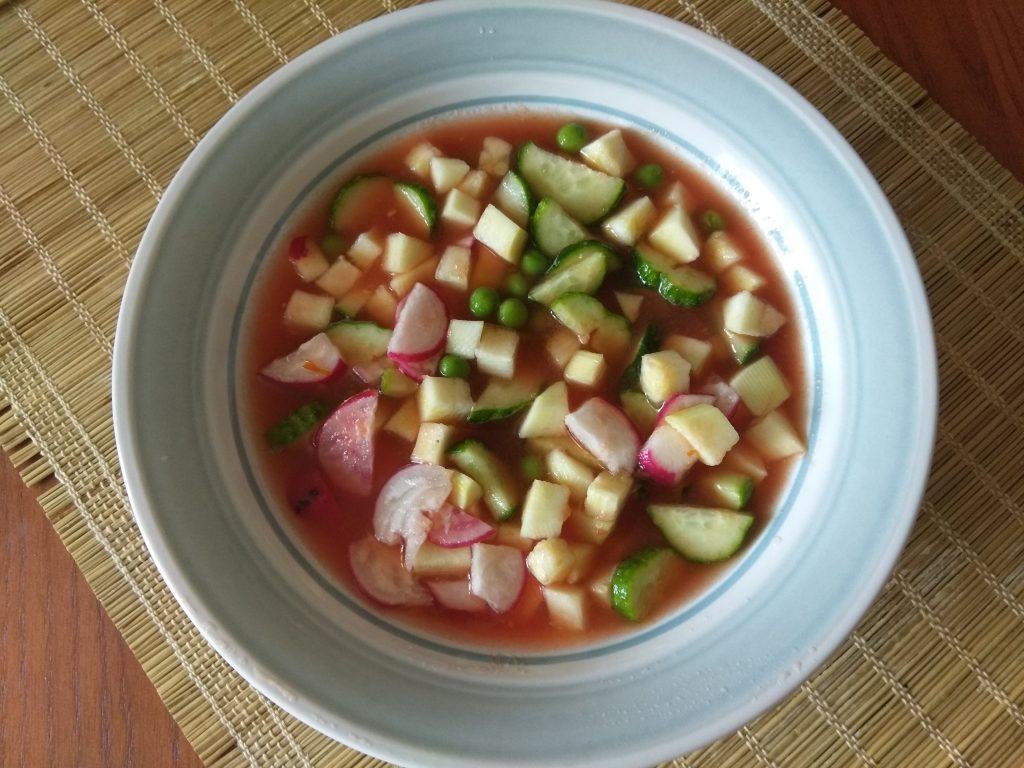 Фото рецепта - Холодный томатный суп с овощами - шаг 6