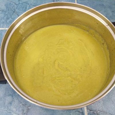 Фото рецепта - Постный крем-суп из зеленого горошка - шаг 4