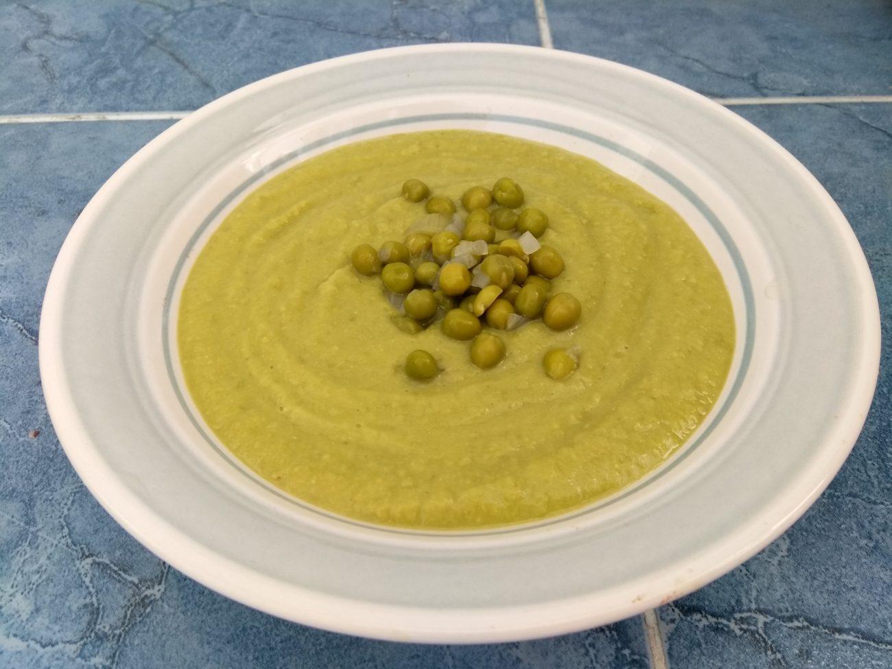 Постный крем-суп из зеленого горошка