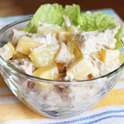 Куриный салат с ананасом и сыром - рецепт с фото