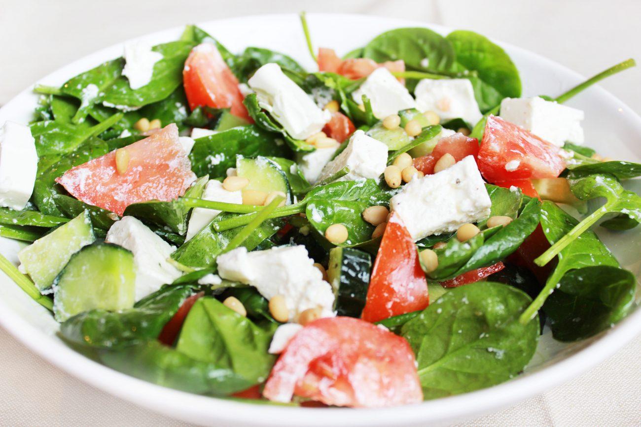 Легкий овощной салат без майонеза