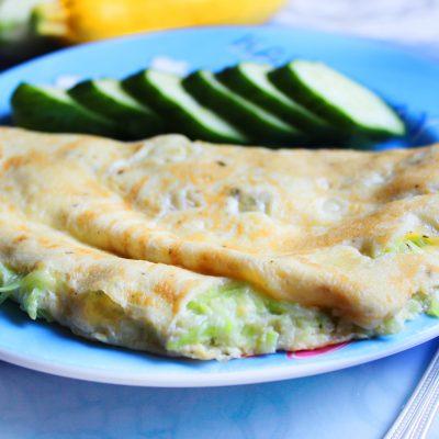 Омлет с кабачками и сыром - рецепт с фото
