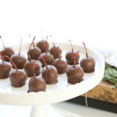 Ромовая вишня в шоколаде - рецепт с фото