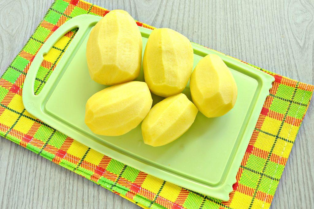Фото рецепта - Картофельное пюре с зеленью и молоком - шаг 1