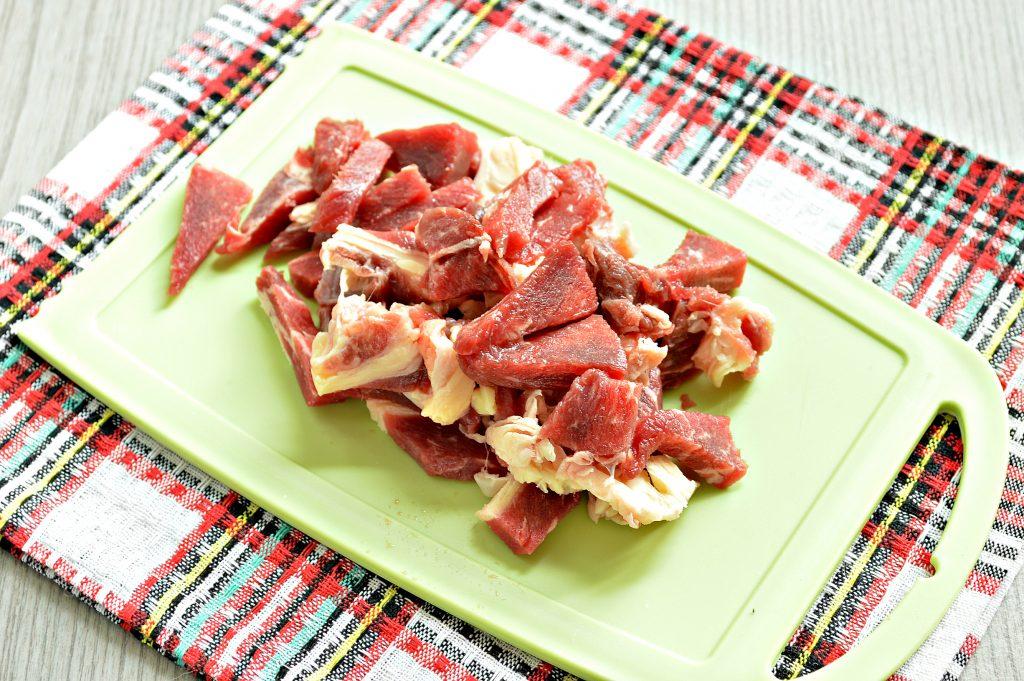 Фото рецепта - Рагу из говядины и кабачков - шаг 1