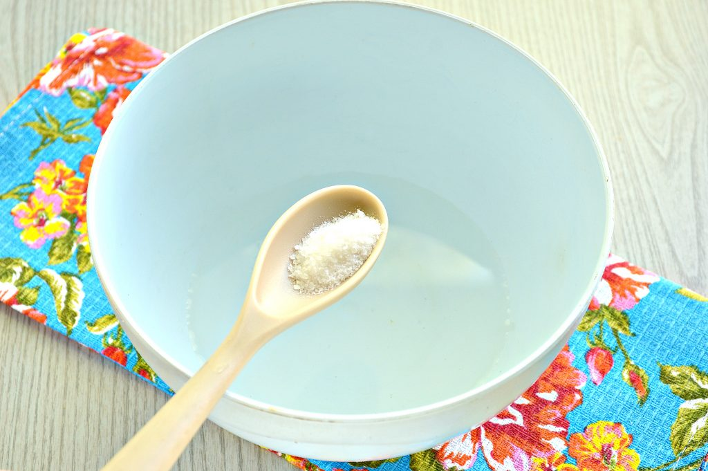 Фото рецепта - Тесто для пельменей без яиц - шаг 1