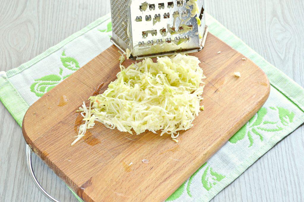 Фото рецепта - Манты с кабачком, картофелем и фаршем - шаг 1