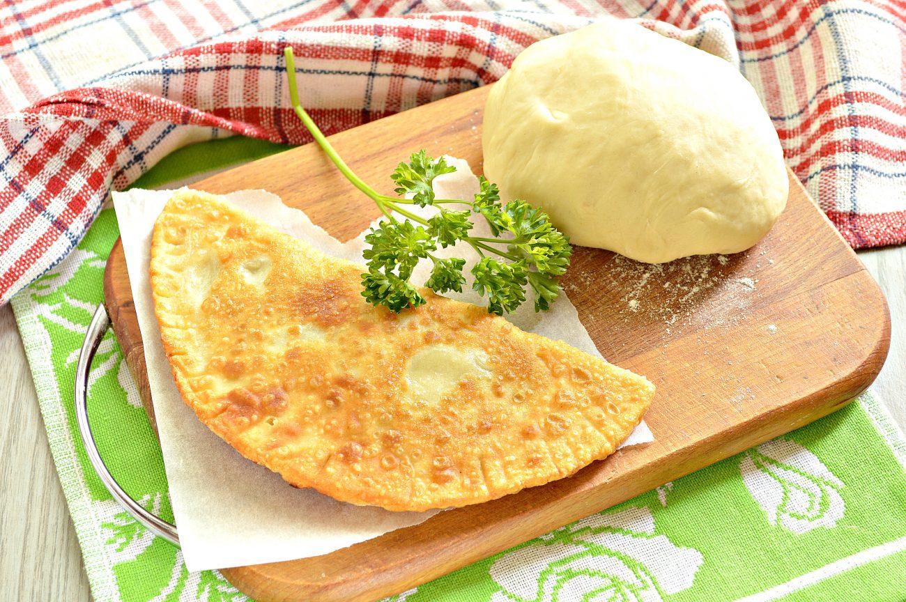 Тесто для чебуреков на кислом молоке