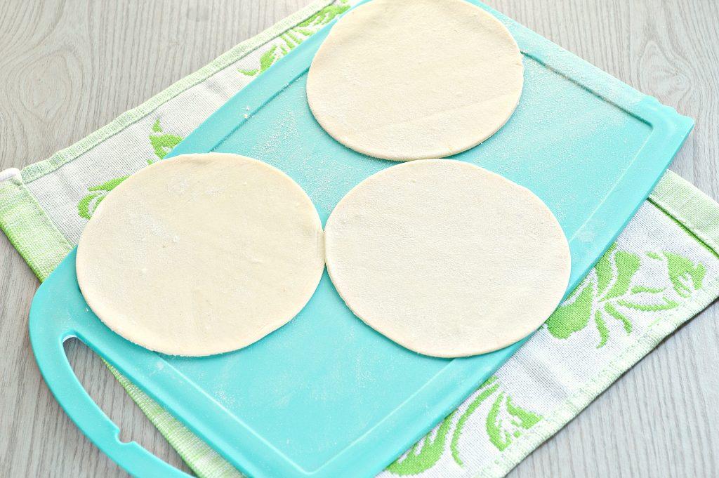 Фото рецепта - Манты с кабачком, картофелем и фаршем - шаг 3