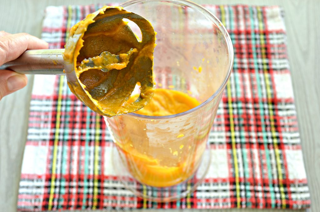 Фото рецепта - Икра на зиму из кабачков и моркови - шаг 4