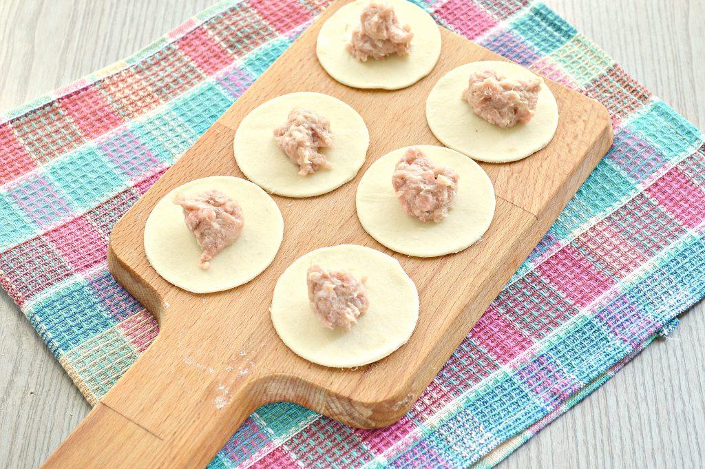 Фото рецепта - Пельмени с бараниной и свининой - шаг 5