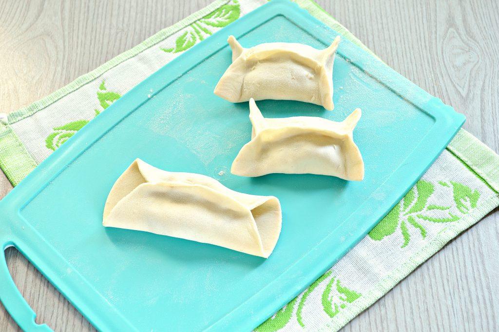 Фото рецепта - Манты с кабачком, картофелем и фаршем - шаг 5
