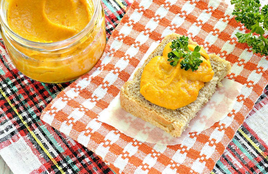 Фото рецепта - Икра на зиму из кабачков и моркови - шаг 5