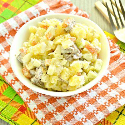 Мясной салат со свежим огурцом и вареными овощами - рецепт с фото