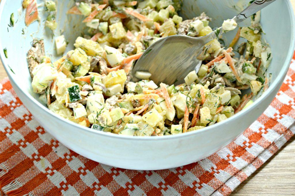 Фото рецепта - Картофельный салат с овощами и печенью - шаг 6