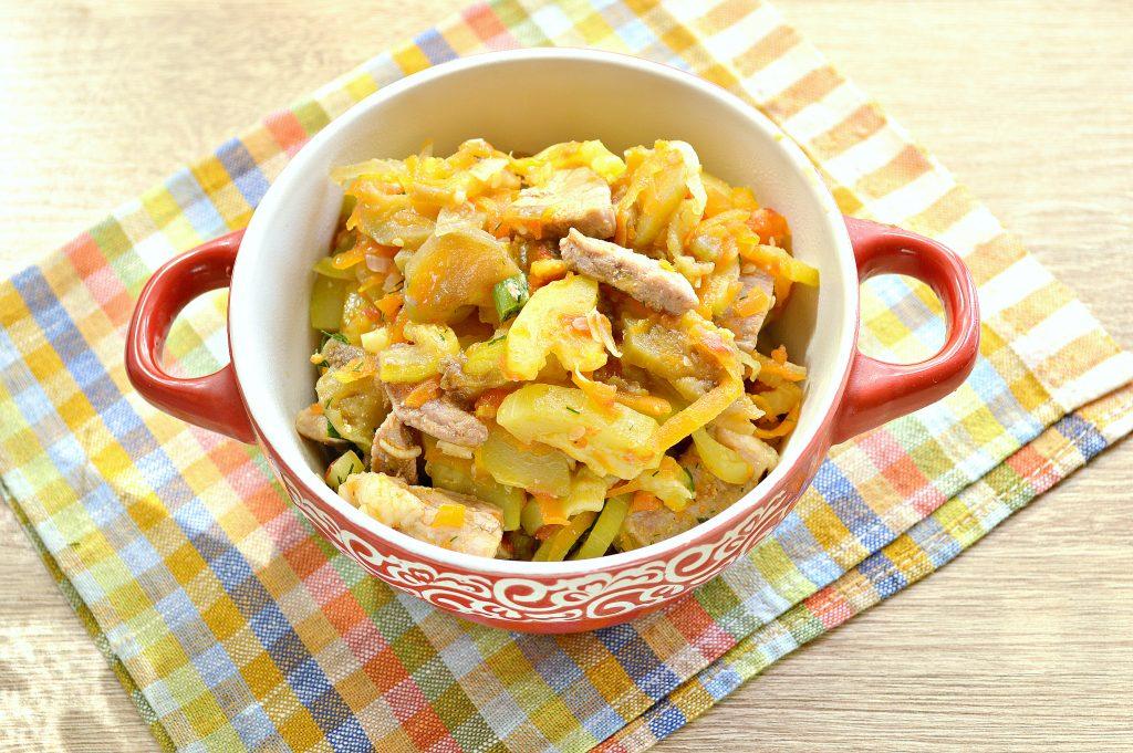 Фото рецепта - Свинина, тушеная с кабачками, баклажанами, помидорами и перцем (рагу) - шаг 6