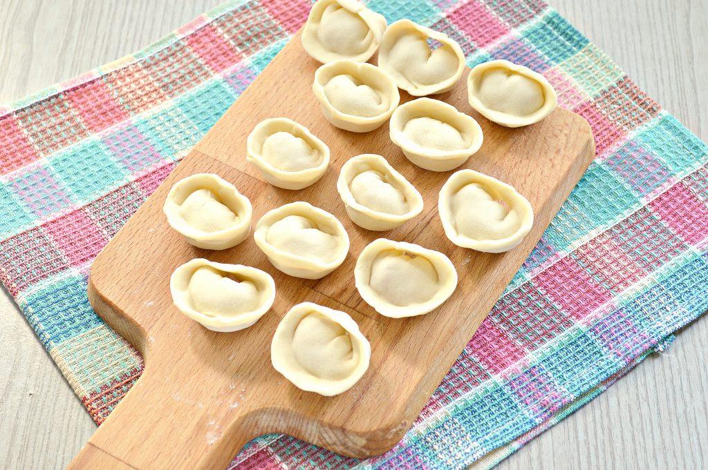 Фото рецепта - Пельмени с бараниной и свининой - шаг 6