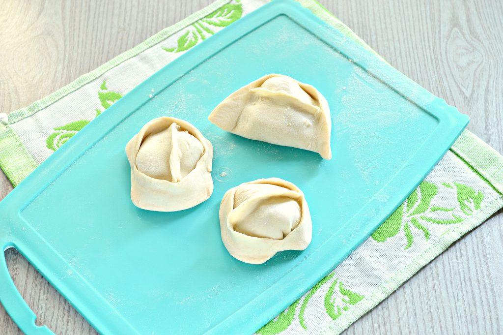 Фото рецепта - Манты с кабачком, картофелем и фаршем - шаг 6