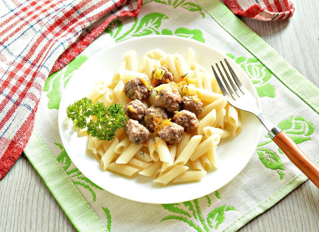 Фото рецепта - Подлива с овощами и мясными фрикадельками - шаг 6