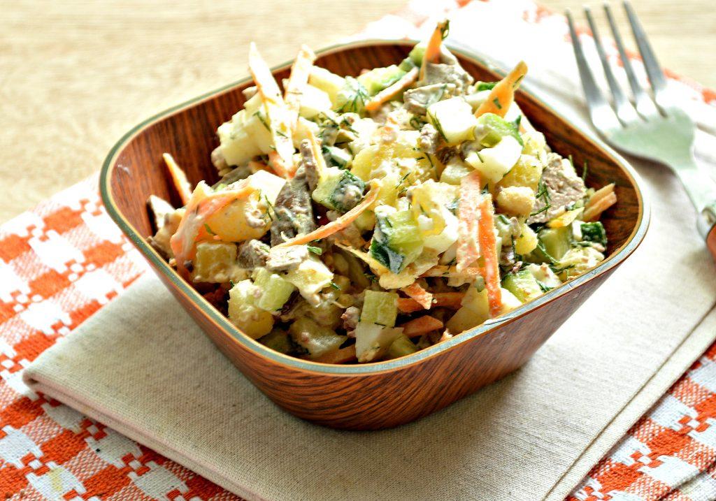 Фото рецепта - Картофельный салат с овощами и печенью - шаг 7