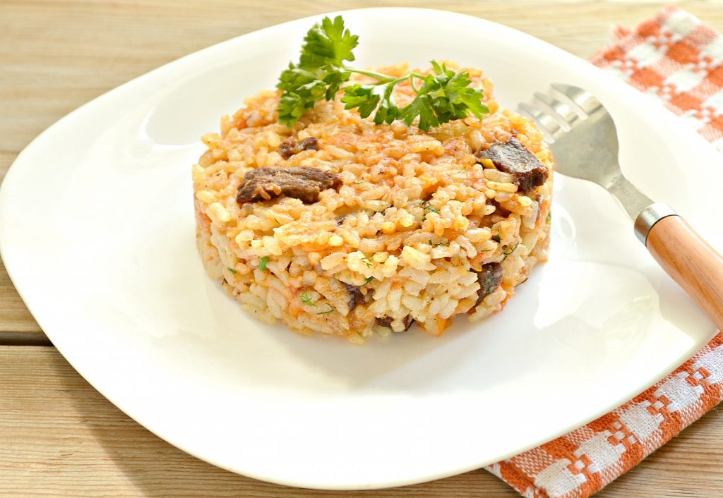 Фото рецепта - Говядина с рисом на сковороде - шаг 8
