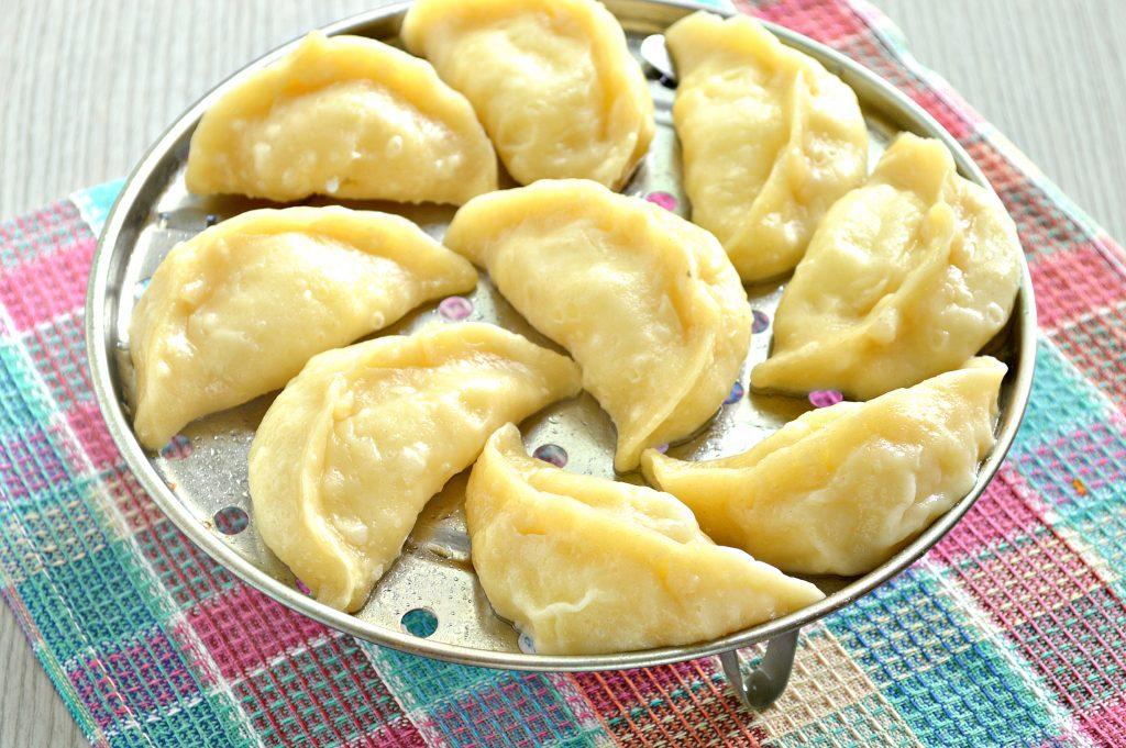 Фото рецепта - Вареники с картофелем на пару - шаг 7