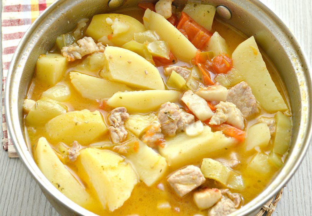 Фото рецепта - Шурпа со свининой, перцем, помидорами - шаг 8