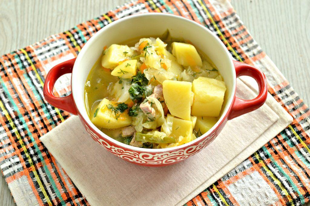 Фото рецепта - Свинина, тушенная с картофелем, болгарским перцем и капустой - шаг 8