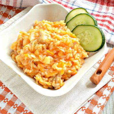 Капуста, тушенная с рисом и курицей - рецепт с фото