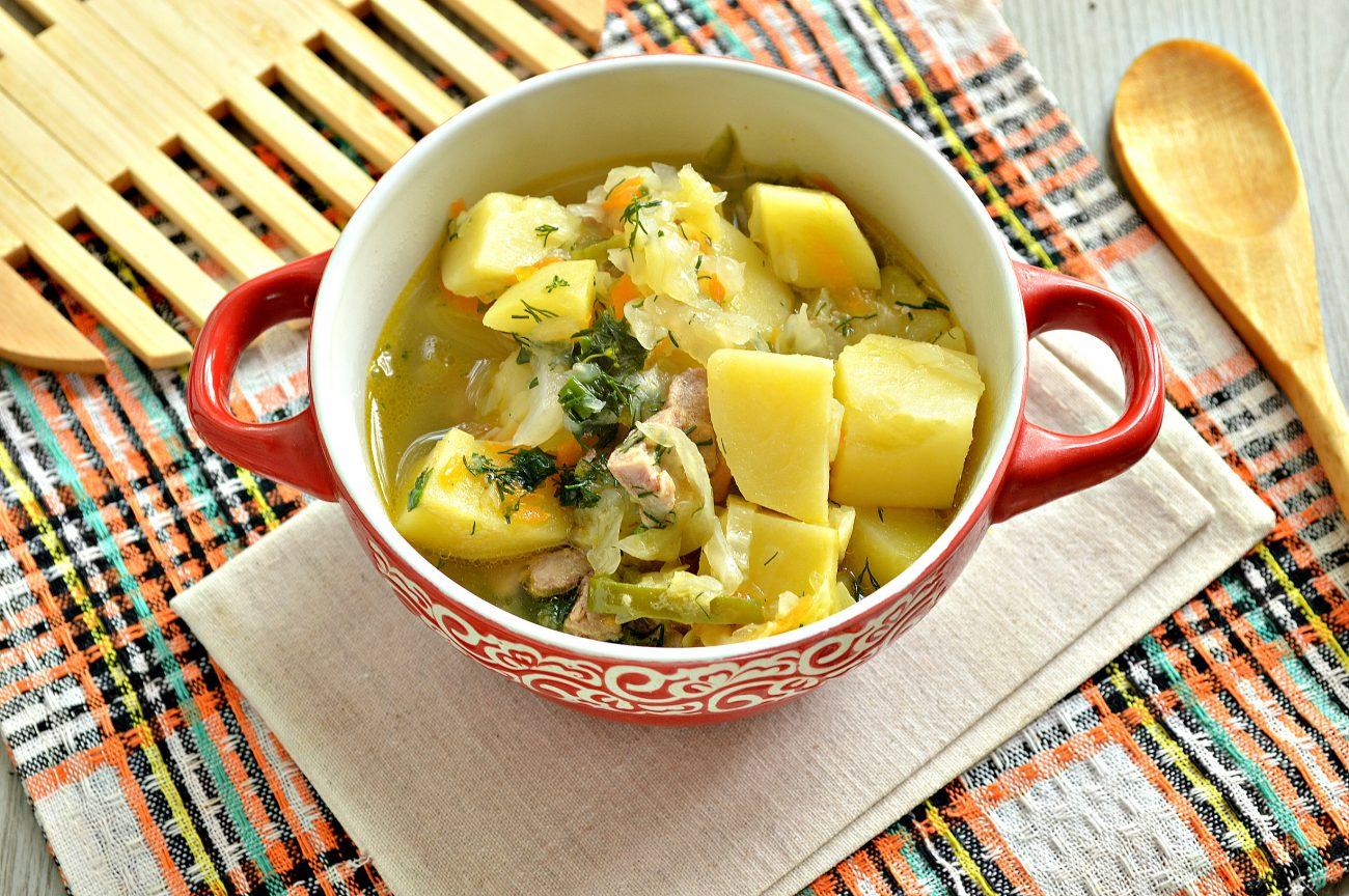 Свинина, тушенная с картофелем, болгарским перцем и капустой