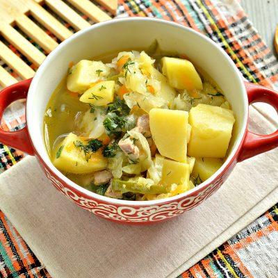 Свинина, тушенная с картофелем, болгарским перцем и капустой - рецепт с фото