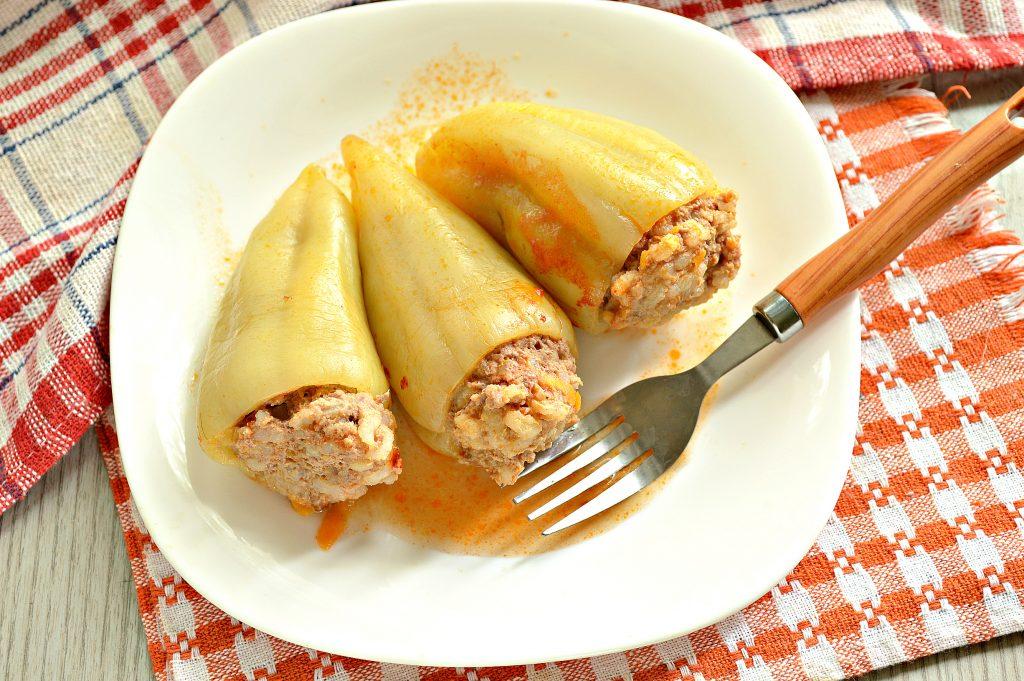 Фото рецепта - Фаршированный перец с рисом в томатной заливке - шаг 9