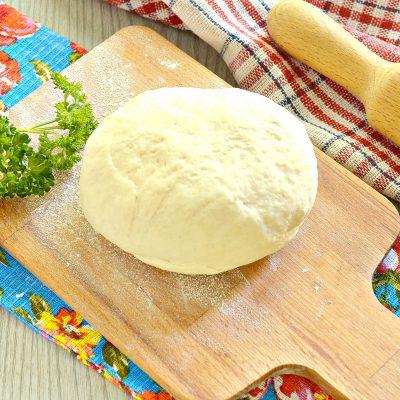 Тесто для пельменей без яиц - рецепт с фото